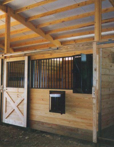 horse1-stall-m-bokser